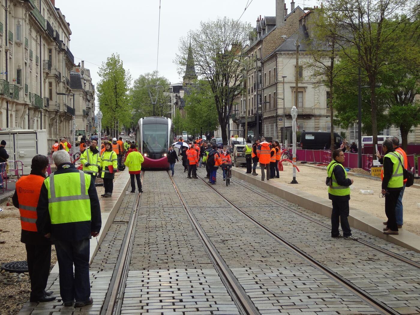 Le choix d cisif du tramway d placements et mobilit s services et missions dijon m tropole - Divia dijon horaire d ouverture ...